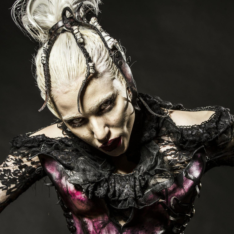 Photo: Graham Cann Model: Gina Harrison
