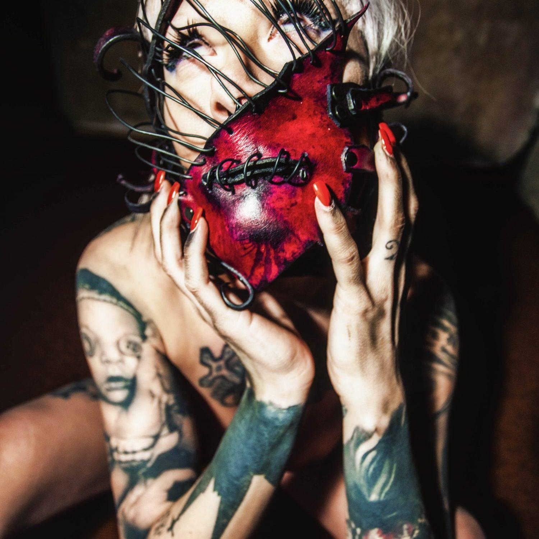 Photo: Krousky  Model: Cheyenne la Bruja